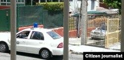 Acoso y vigilancia en la casa del reortero Lázaro Yuri Valle Nuevo Vedado