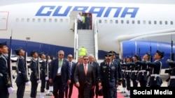 Bruno Rodríguez a su llegada a Lima. Tomado de @Agencia_Andina