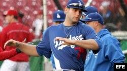 Pitcher cubano americano realiza una gran labor con los Dodgers
