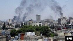 Siria - El ejército sigue bombardeando zonas residenciales y según obervadores de ONU ha usado a niños como escudos humanos.