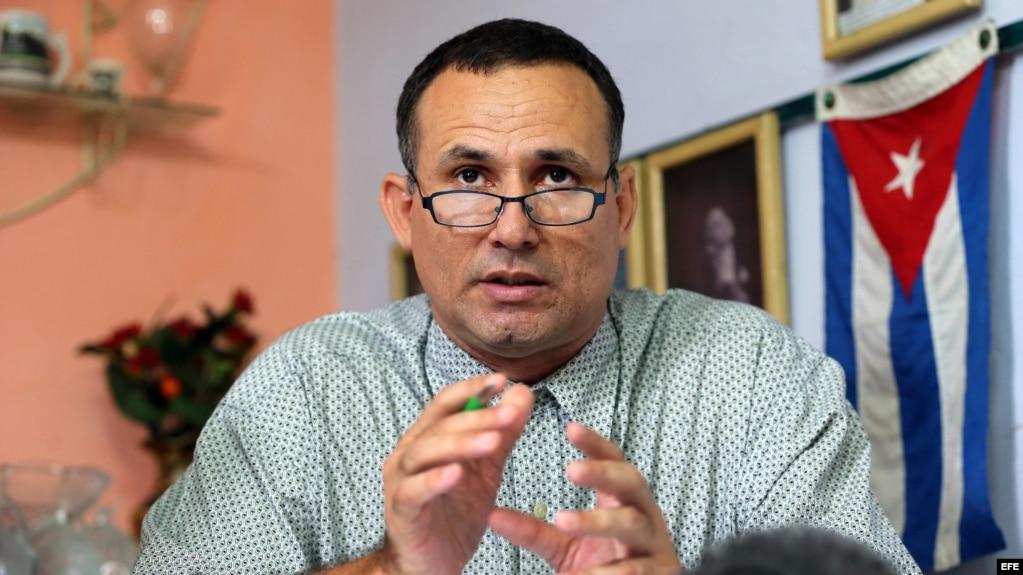 """El opositor cubano José Daniel Ferrer fue detenido en el aeropuerto """"Frank País"""", de Holguín (Archivo)"""