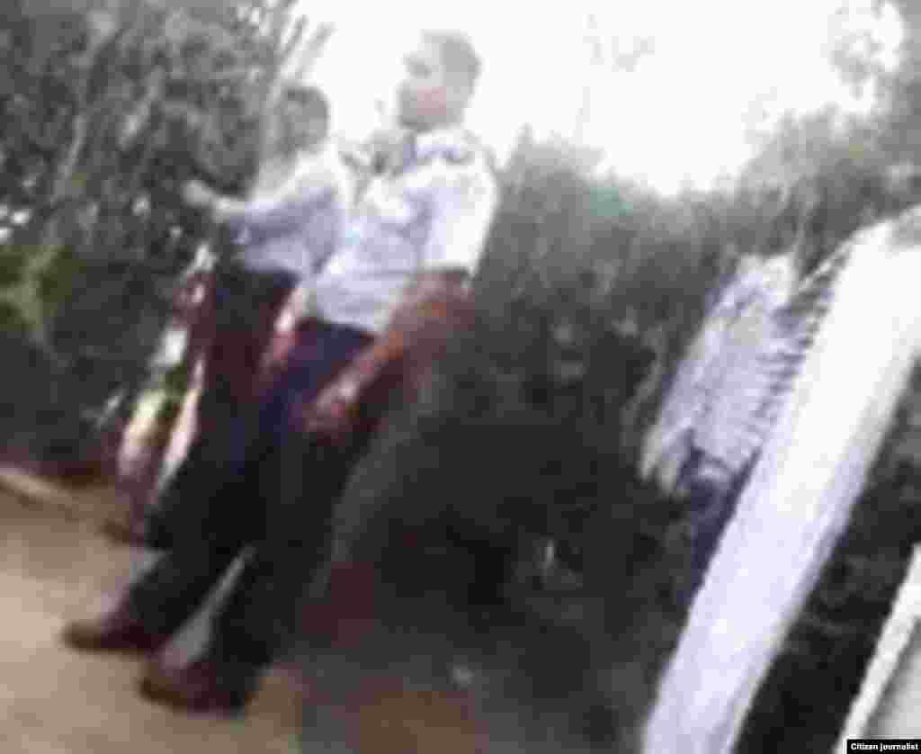 Reporta Cuba Policía en casa de ciudadana en Bayamo Foto Roberto Rodriguez