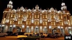 """Fachada del Gran Teatro de La Habana """"Alicia Alonso"""" (17 de marzo, 2016)."""