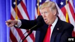 El presidente electo estadounidense, Donald Trump, ofrece una rueda de prensa en la Trump Tower, Nueva York.