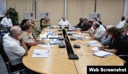 Raúl Castro preside reunión sobre el Zika.