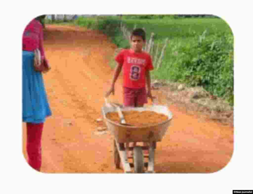 Niños trabajando Reporta Cuba foto de Leodán Su^rez