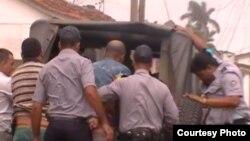 Aumentan operativos policiales contra vendedores ambulantes en Cienfuegos