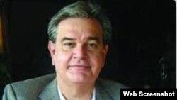Silvio Canto autor de Cubanos en Wisconsin