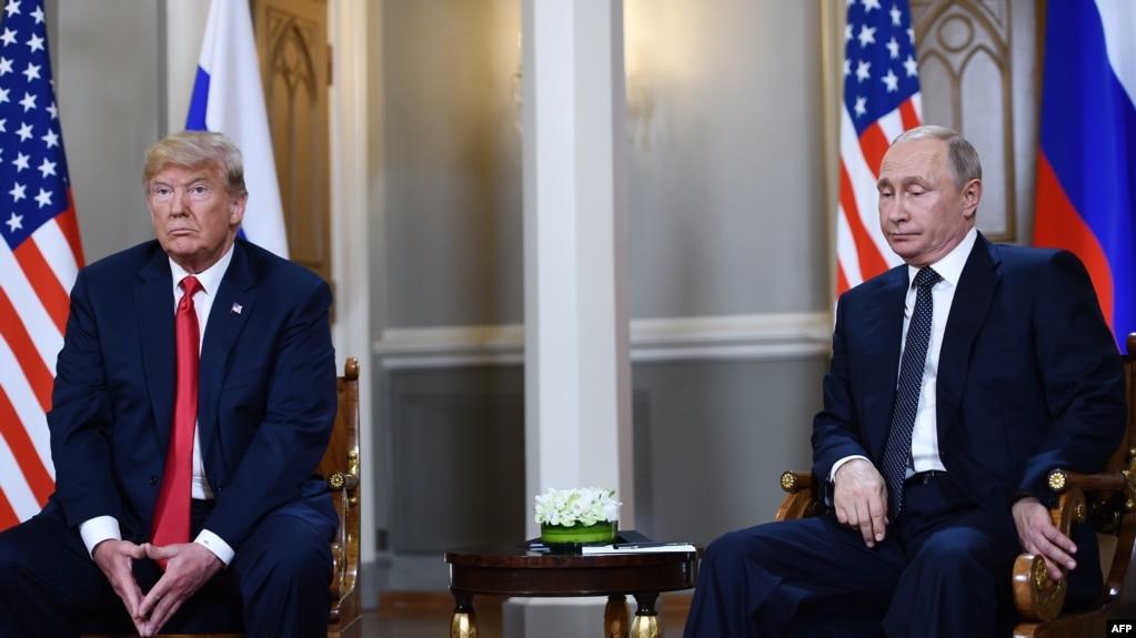 Vladimir Putin (d) y Donald Trump (i) en Finlandia
