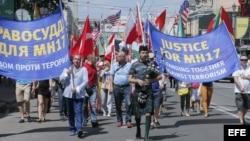 Manifestación en Kiev contra el terrorismo.