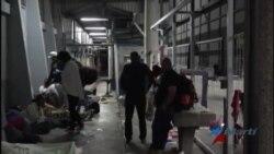 Cubanos sobreviven en Costa Rica mientras esperan una salida a su situación