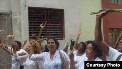 Vecinos se indignaron contra represores de las Damas de Blanco en La Habana.