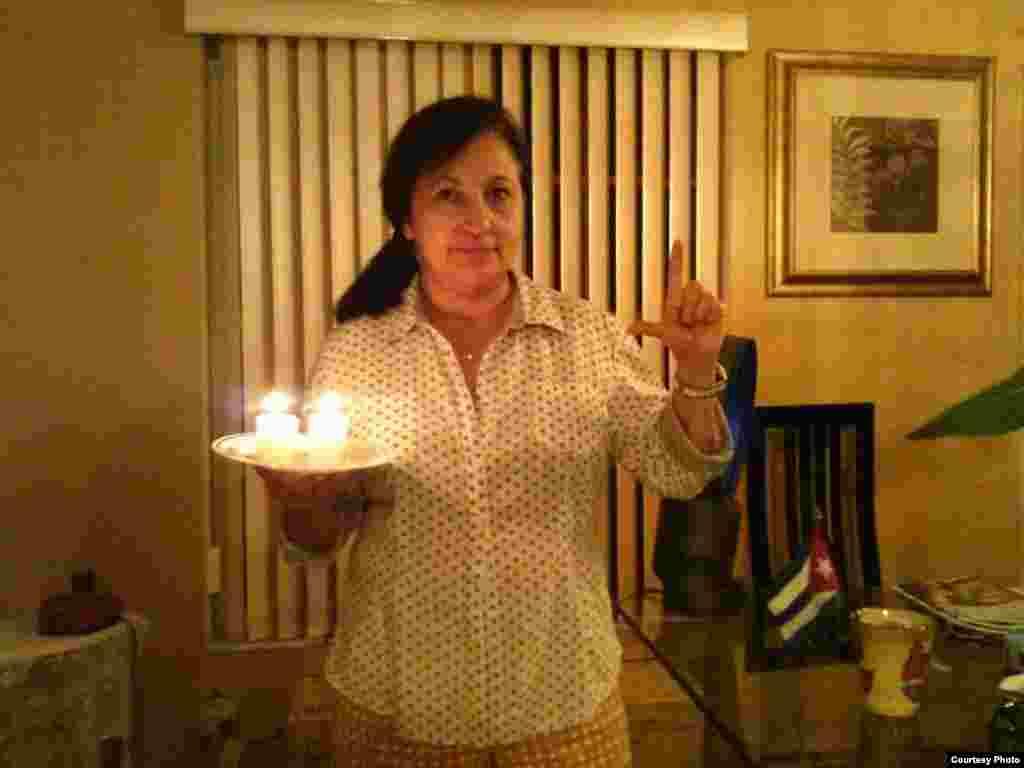 Lori Díaz, solidaria con la causa cubana, desde Miami, USA, homenaje a Oswaldo y Harold.