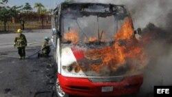 Narcos desatan violencia en Guadalajara y otras ciudades de Jalisco.