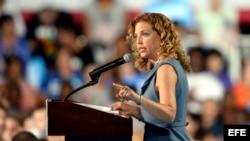 Debbie Wasserman Schultz durante un acto de campaña en Tampa, Florida.