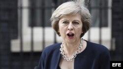 """Theresa May dijo al asumir el cargo que el Reino Unido afronta momentos de """"grandes cambios""""."""