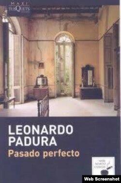 Las tiradas de los libros de Padura en Cuba se agotan en el lanzamiento.