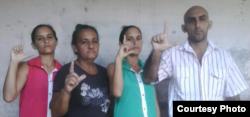 De izq a der Adairis Miranda, Maidolis Leyva, Anairis Miranda y Fidel Batista Leyva