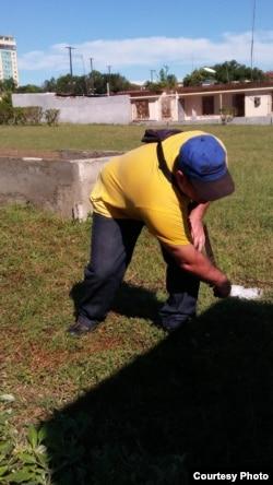 Pastor Ramón Rigal cumple trabajo correccional sin internamiento en Guantánamo, Cuba.