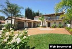 La mansión de estilo mediterráneo adquirida por Yasiel Puig en Encino, California. (Foto: Variety.com)