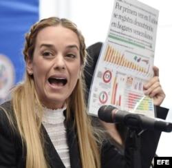 Lilian Tintori, esposa de Leopoldo López, denuncia la crítica situación en Venezuela.