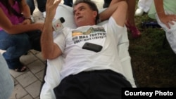 Ramón Saúl Sánchez en huelga de hambre.