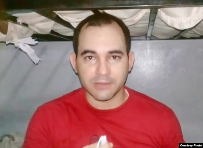 Jorge Ariel Sánchez, migrante cubano de 26 años, detenido en un centro para migrantes en Panamá