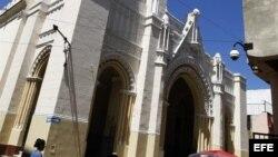 Fotografía de la iglesia de la Caridad en el popular barrio de Centro Habana hoy, miércoles 14 de marzo de 2012, en La Habana (Cuba). Trece disidentes mantienen desde el martes un encierro pacífico en esta iglesia para pedir que Benedicto XVI escuche sus