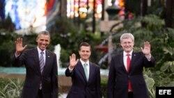 El presidente de Estados Unidos, Barack Obama, su homólogo de México, Enrique Peña Nieto y el primer ministro de Canadá, Stephen Harper