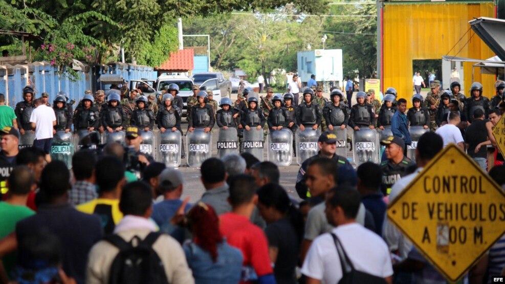 """El """"tapón"""": Nicaragua cerró sus fronteras a los Inmigrantes cubanos procedentes de Costa Rica."""