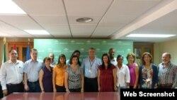 Profesionales cubanos en hospital de Sevilla, España