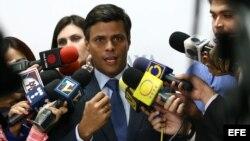 El dirigente opositor Leopoldo López ya visitó Perú y Uruguay y este miércoles viaja a Argentina.