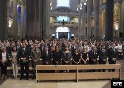 Los reyes de España y autoridades del Gobierno asistieron a la basílica de la Sagrada Familia.
