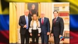 Esposa de líder venezolano preso se reúne con Trump y Pence