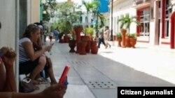 Reporta Cuba. Conectados a nueva zona de conexión Wi-Fi en Sancti Spíritus.