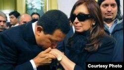 Según ex funcionarios chavistas, Chávez fue intermediario del dinero iraní para la campaña de Cristina Kirchner.