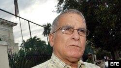 Fotografía de archivo del ex-preso político cubano, el economista Oscar Espinosa Chepe.