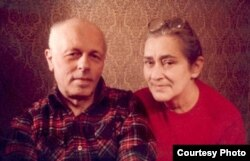 Andrei D. Sajarov y Elenna G. Bonner