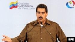 Nicolás Maduro ofreciendo declaraciones sobre cambios en su gabinete ministerial.