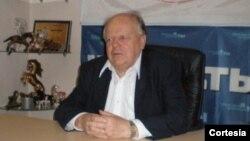 Stanislaw Shushkevich, presidente del partido socialdemocrata de Bielorrusia