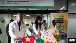 Médicos cubanos llegan a Brasil