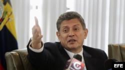 Fotografía de archivo del expresidente del Directorio del Banco Central de Ecuador, Pedro Delgado.