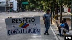 Opositores cortan vías en Venezuela para rechazar el cambio de Constitución