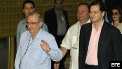 El gobierno colombiano y las FARC dialogan en busca de un acuerdo de paz desde el lunes en La Habana.