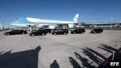 Air Force One, el avión presidencial estadounidense que viaja a Europa.