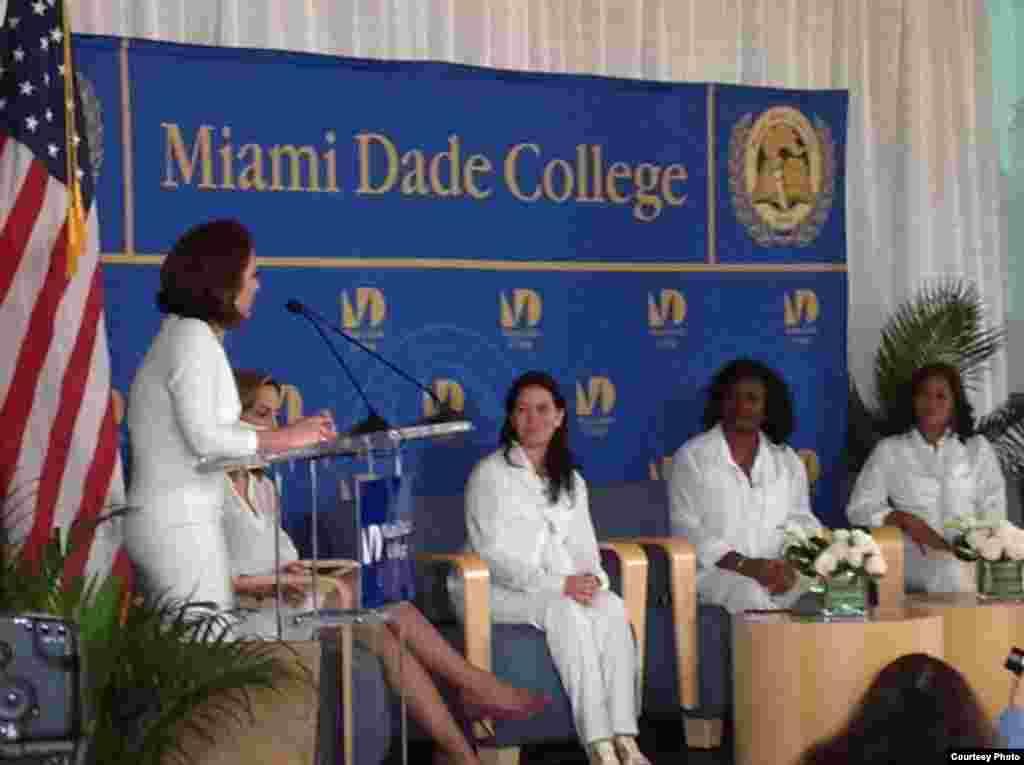 Damas de Blanco y Guillermo Fariñas en MDC
