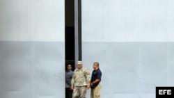Hangar donde se encuentran depositados los armamentos encontrados en el buque norcoreano Chong Chon Gang, en Panamá