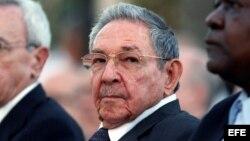 Piden que el dictador Raúl Castro no asista a la cumbre de Lima.