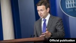 El secretario de Prensa de la Casa Blanca Josh Earnest.