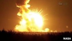 El cohete Antares se desintegró seis segundos después del despegue de la plataforma en Wallops Island, Virginia. Foto: NASA.